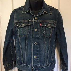 Levi women's denim trucker jacket sz small
